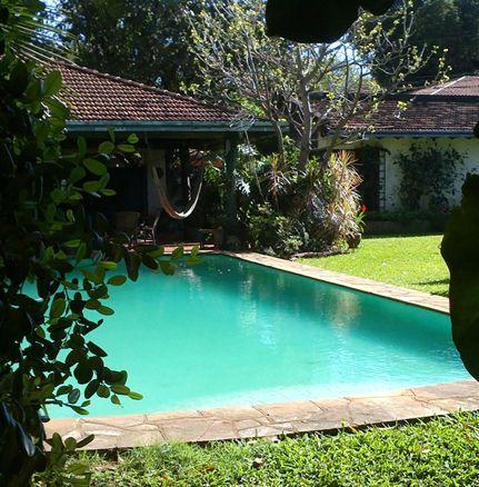 Vendo Residencia En Villa Morra Esquina