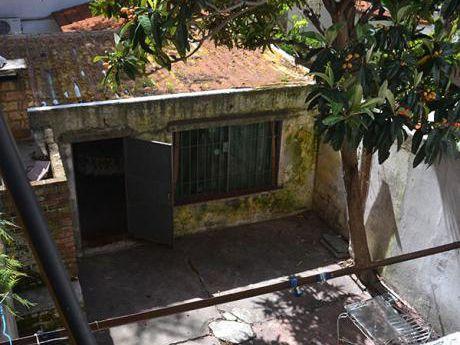 Padrón único Con Patio Y Garage Buena Ubicación A Reciclar