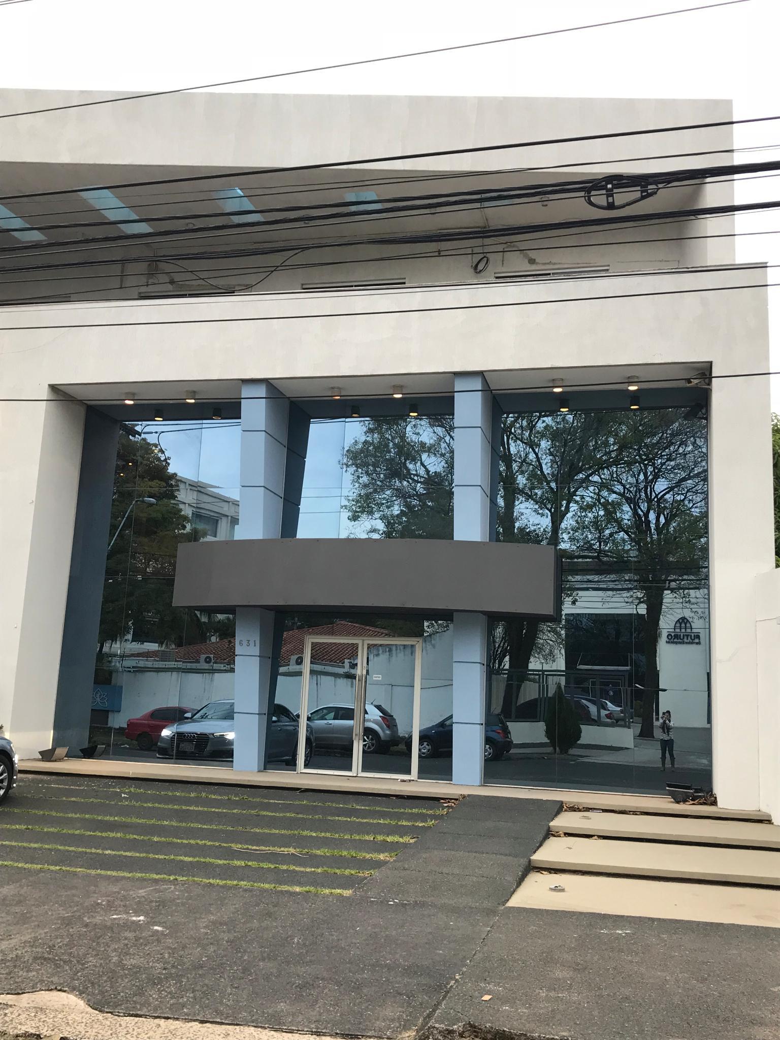 ALQUILO A-055 Edificio Corporativo - Villa Morra
