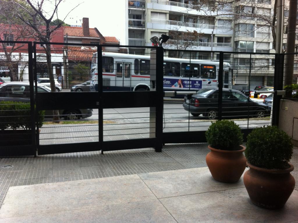 Alquiler - 3 Dorm Servicio Gge - 26 De Marzo Y L A. De Herrera - Pocitos Nuevo