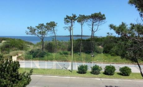 Kosak Punta Deleste Mansa Al Mar Apart 3dorm Piscina Parrillero Exc. Oportunidad