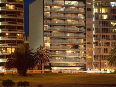 Apartamento 3 Dorm. En Suite + Servicio Full Puerto De Bueceo - Alfa Tower