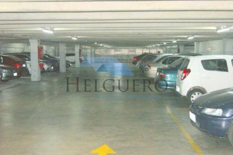 Parking De Más De 4200 M2 En 4 Niveles Con 173 Autos, Con Salida A 2 Calles.