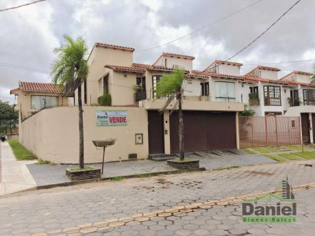 Casa Sobre Av Iberica (las Palmas)
