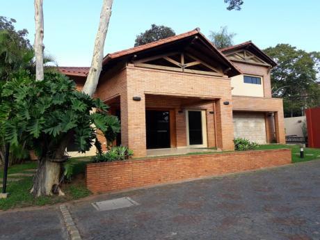 Casa En Condominio Montecillo - Bo. Mcal. Estigarribia