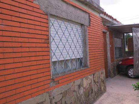 Casa Céntrica En Las Piedras