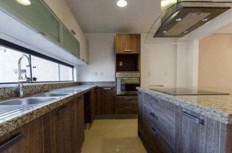 Vendo Duplex 3 Dormitorios Con Piscina En Mburucuya