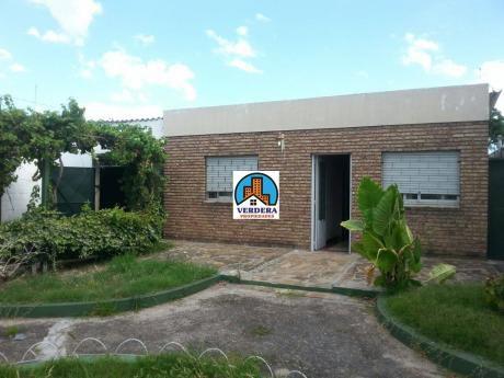 Casa Con Gran Jardìn, Garage Y Galpòn