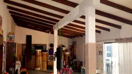 Vendo Casa Con Construcción Apta Para Restaurante O Cualquier Tipo De Negocio