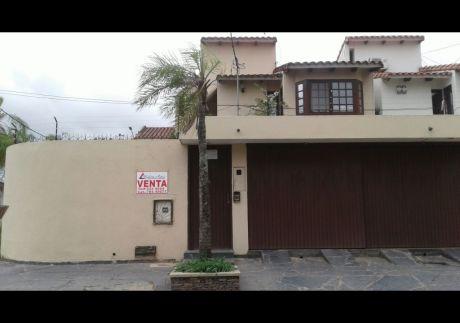 Vendo Hermosa Casa De 2 Plantas En La Zona Las Palmas