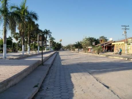 Vendo Amplia Y Cómoda Casa En  El Municipio De Puerto Suárez (zona Residencial, Barrio Conavi)