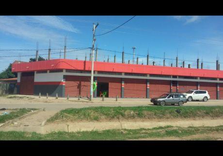 """Vendo Ideal Casa Con 6 Tiendas, Zona Altamente Comercial En Zona """"magisterio Sur""""."""