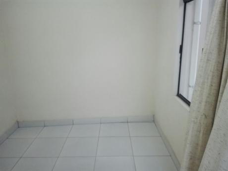 Alquilo CÓmoda Y Funcional HabitaciÓn, Ubicada En La Av. Uruguay Entre El 1ro. Y 2do. Anillo