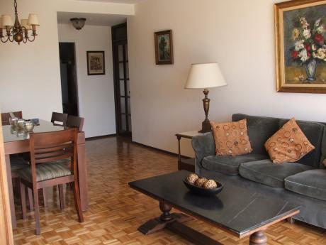 Alquiler De Apartamento De 2 Dormitorios Y Servicio Totalmente Equipado