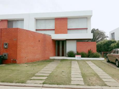 Moderna Casa En Alquiler Los Batos Del Urubo