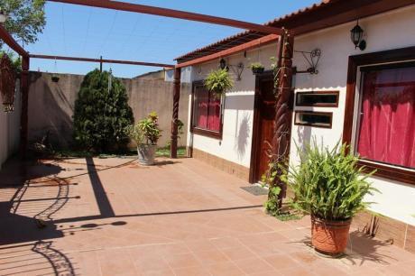 Casa Chalet En Venta Av. Paurito