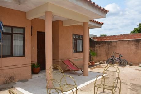 Casa Chalet En Venta Av. Santos Dumont 5 Y 6 Anillo