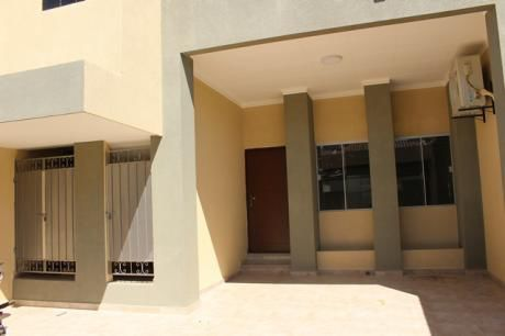 Casa A Estrenar De 3 Plantas Urb.cotas Norte 7mo Anillo