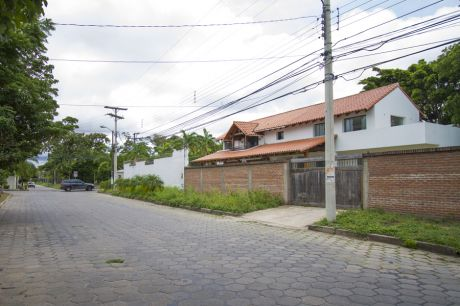 Casa En Barrio Las Palmas