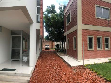 Edificio Para Oficinas De 2 Plantas Y 2 Bloques