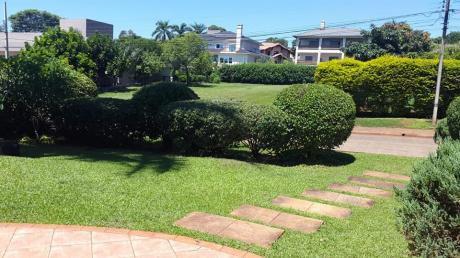 Casa En Parana Country Club De Ciudad Del Este