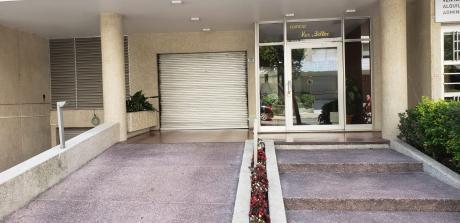 Vendo Apartamento 3 Dormitorios A 1 Cuadra De La  Rambla