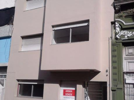 Apartamento Monoambiente Amplio Y Luminoso Primer Piso Frente