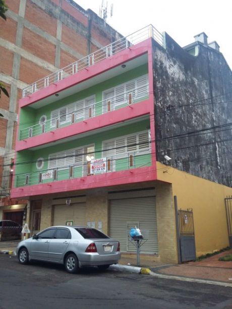 Tierra Inmobiliaria Vende- Imponente Edificio Centrico!