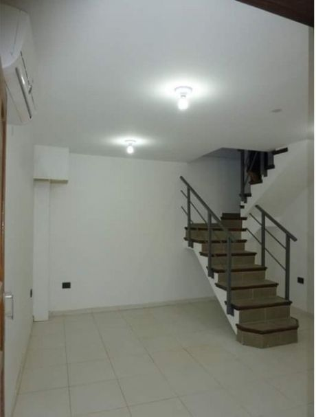 Alquilo T1 En San Lorenzo: Zona Tranquila, Accesible,barrio Seguro..