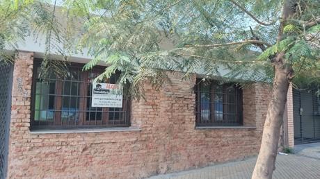 Amplia Casa Colonial Para Oficina
