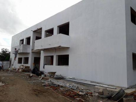 Lindo Edificio De 4 Departamentos