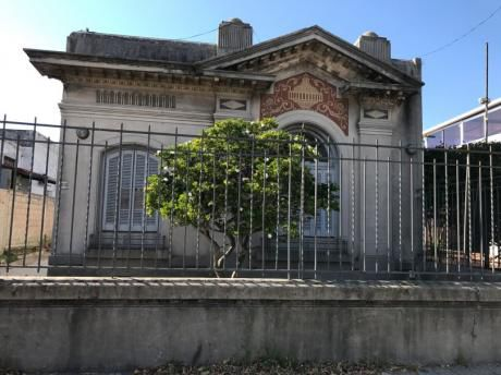 Casa En Prado Sobre Av. Millán