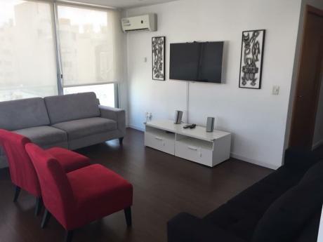 Apartamento En Pocitos Con Parrillero Y Piscina
