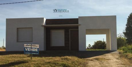Casa De 2 Dormitorios En Venta – Nueva Helvecia - A Estrenar