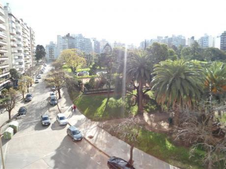 Apartamento Señorial Frente Al Parque Villa Biarritz