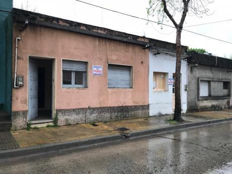 2 Casas En El Centro De Melo