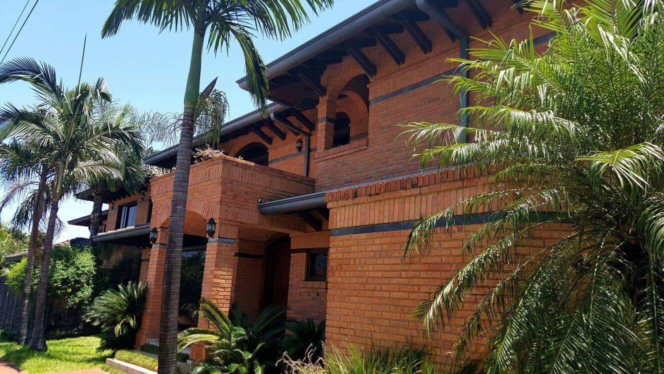Hermosa Casa Mburucyá