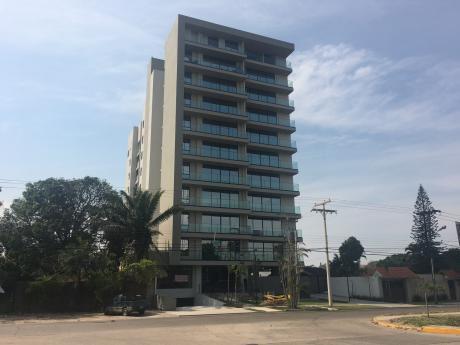 Av. Roca Y Coronado Penthouse En Venta
