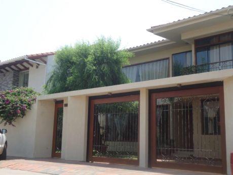 Casa En Venta 4to Anillo Entre Av. Banzer Y Av. Beni