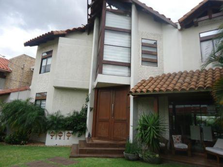 Casa En Venta Av. Banzer 8vo Anillo