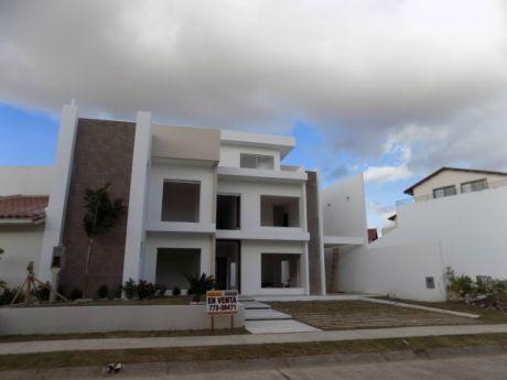 Casa En Venta 5to Anillo Entre Av. Beni Y Av. Banzer