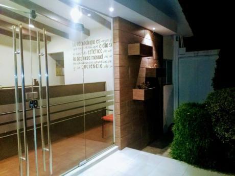 Linda Y Amplia Casa En Alquiler Ideal Para Consultorios Clinicos!!