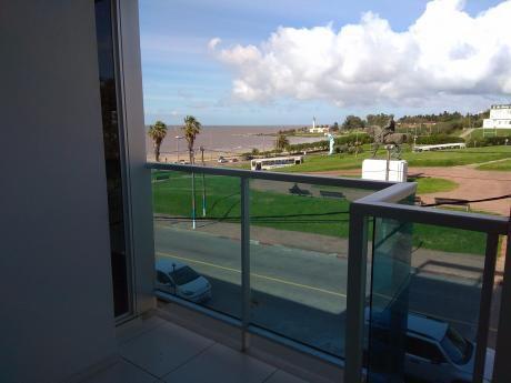 Apto 1 Dormitorio-garage.  Vista Al Mar. Estrene- Comercio Y Rambla