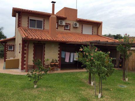 Casa Residencia En Condominio Cerrado.