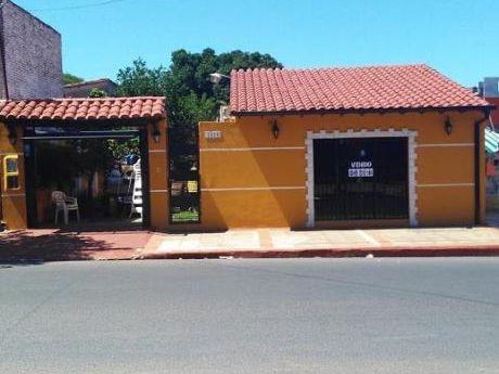 Hermosa Propiedad Sobre Medicos Del Chaco Zona Super El Pueblo