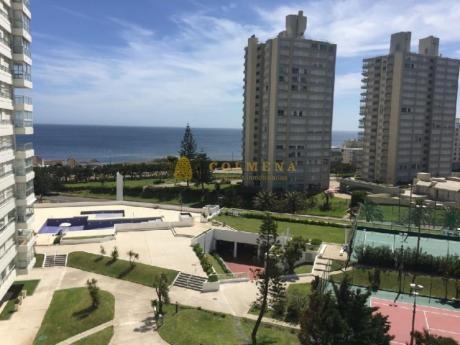 Apartamentos En Playa Mansa: Col145a