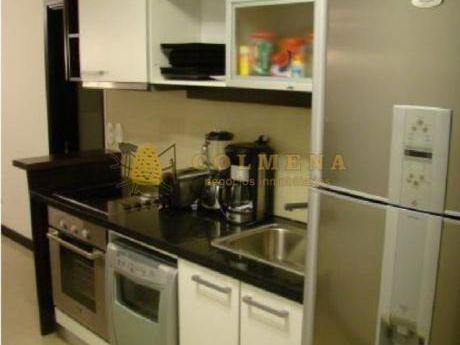 Apartamentos En Playa Mansa: Col555a