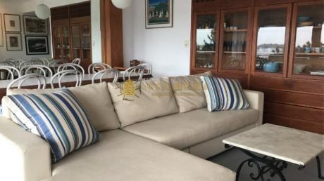 Apartamentos En Playa Mansa: Col670a