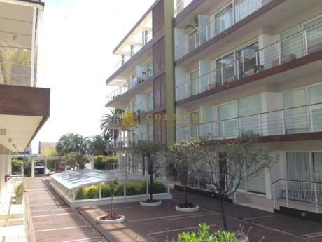 Apartamentos En Península: Col688a