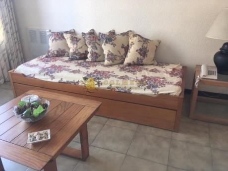 Apartamentos En Península: Col693a